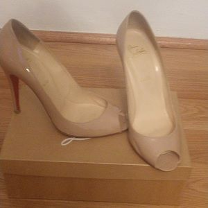 Christian Louboutin Patent Tan heels